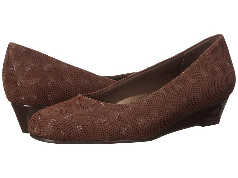 Trotters - Lauren (Brown 3D Patent Suede Leather) Women's Slip-on Dress Shoes