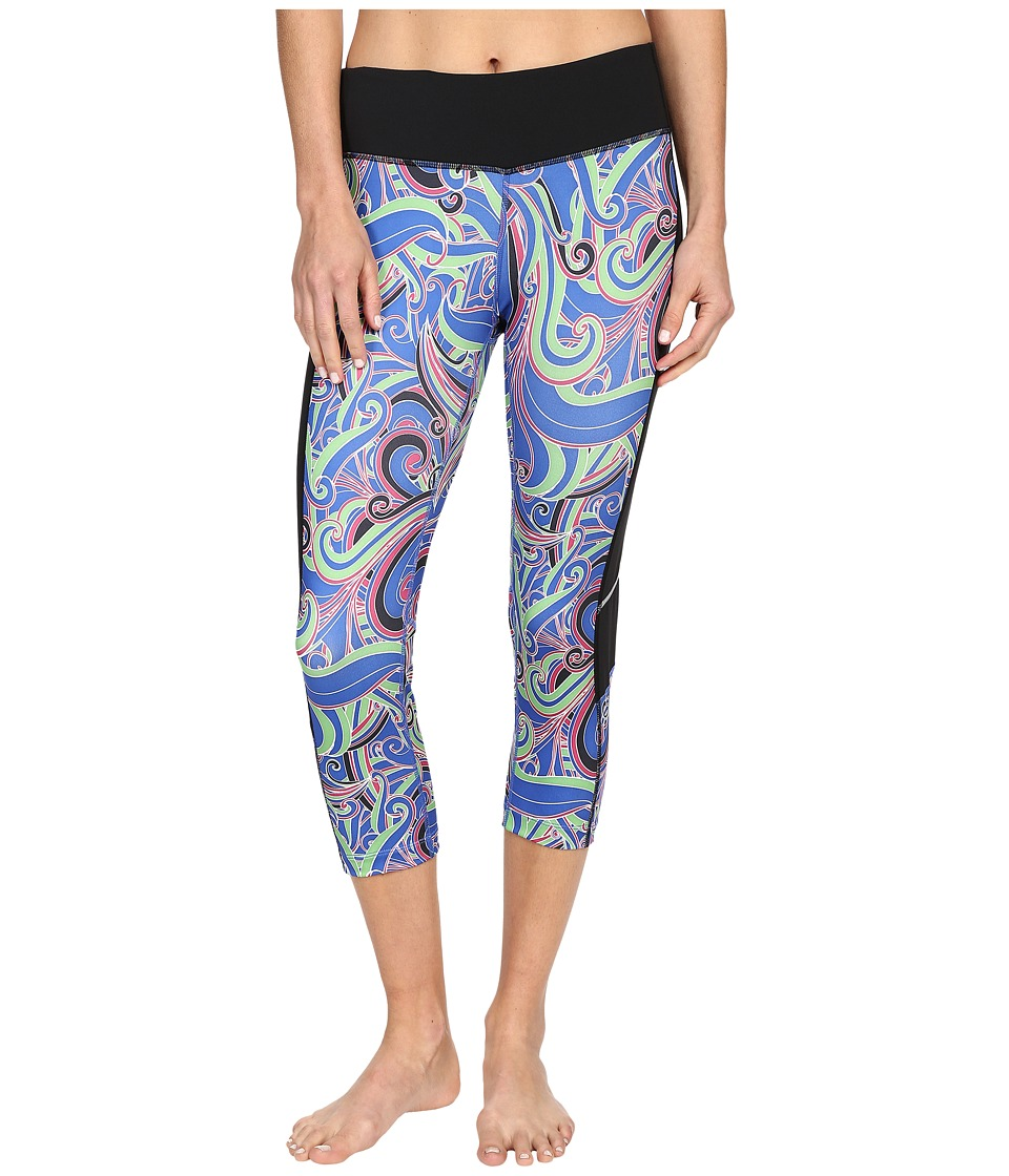 Skirt Sports - Redemption Capri (Free Love Print/Black) Women's Capri