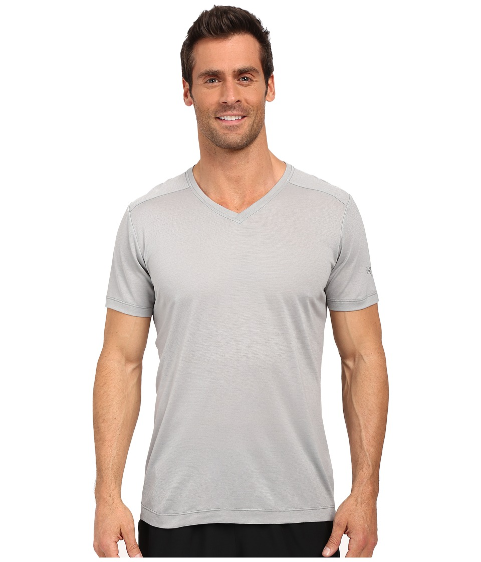 Arc'teryx - A2B V-Neck (Crest) Men's Clothing
