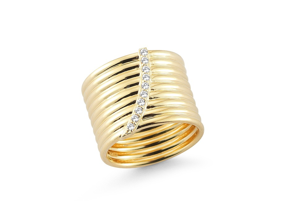 Elizabeth and James - Vago Ring (Yellow Gold) Ring