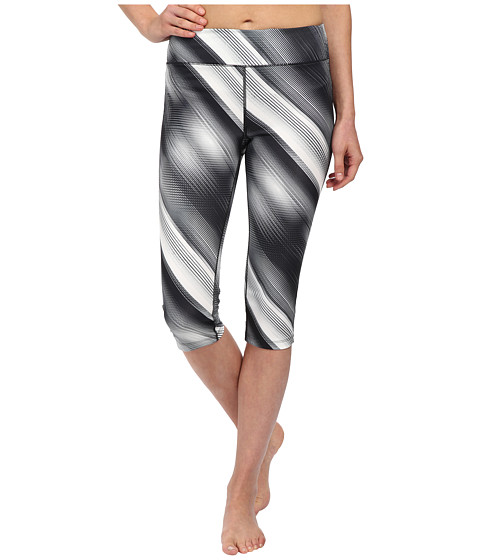 Fila - Pretty Printed Capris (Black/White Diagonal Flash Print) Women's Capri