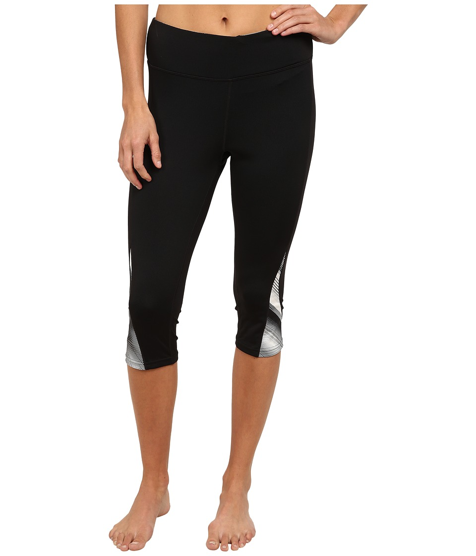 Fila Motion Tight Capris (Black/White Diagonal Flash Print) Women