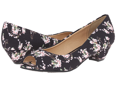 CL By Laundry - Home Run (Black Flower) Women's 1-2 inch heel Shoes