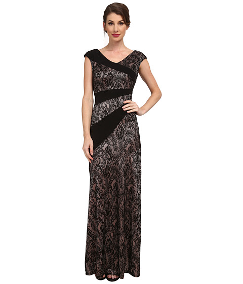 Sangria - Small V-Neck Lace Solid Insert Gown (Black/Blush) Women's Dress