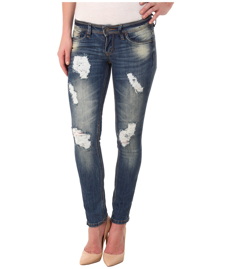 dollhouse - Clooney Destructed Capris in Medium Blue Wash (Medium Blue Wash) Women
