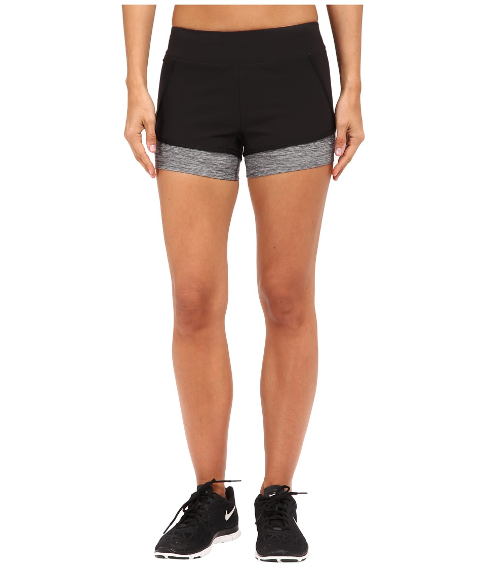 The North Face - Dynamix Stretch Shorts (TNF Black/TNF Dark Grey Heather) Women's Shorts