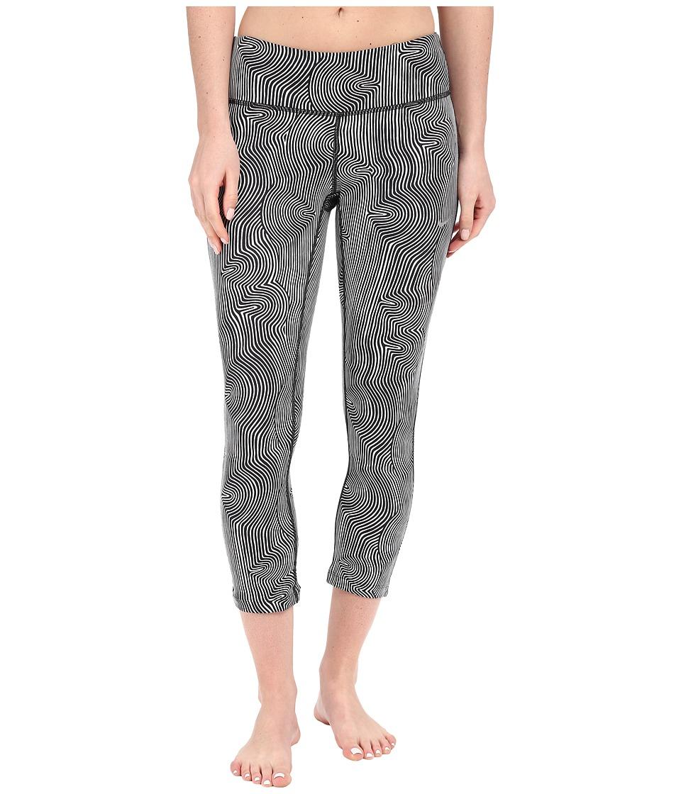 Nike - Zen Epic Run Crop Pants (Black/Reflective Silver) Women's Workout