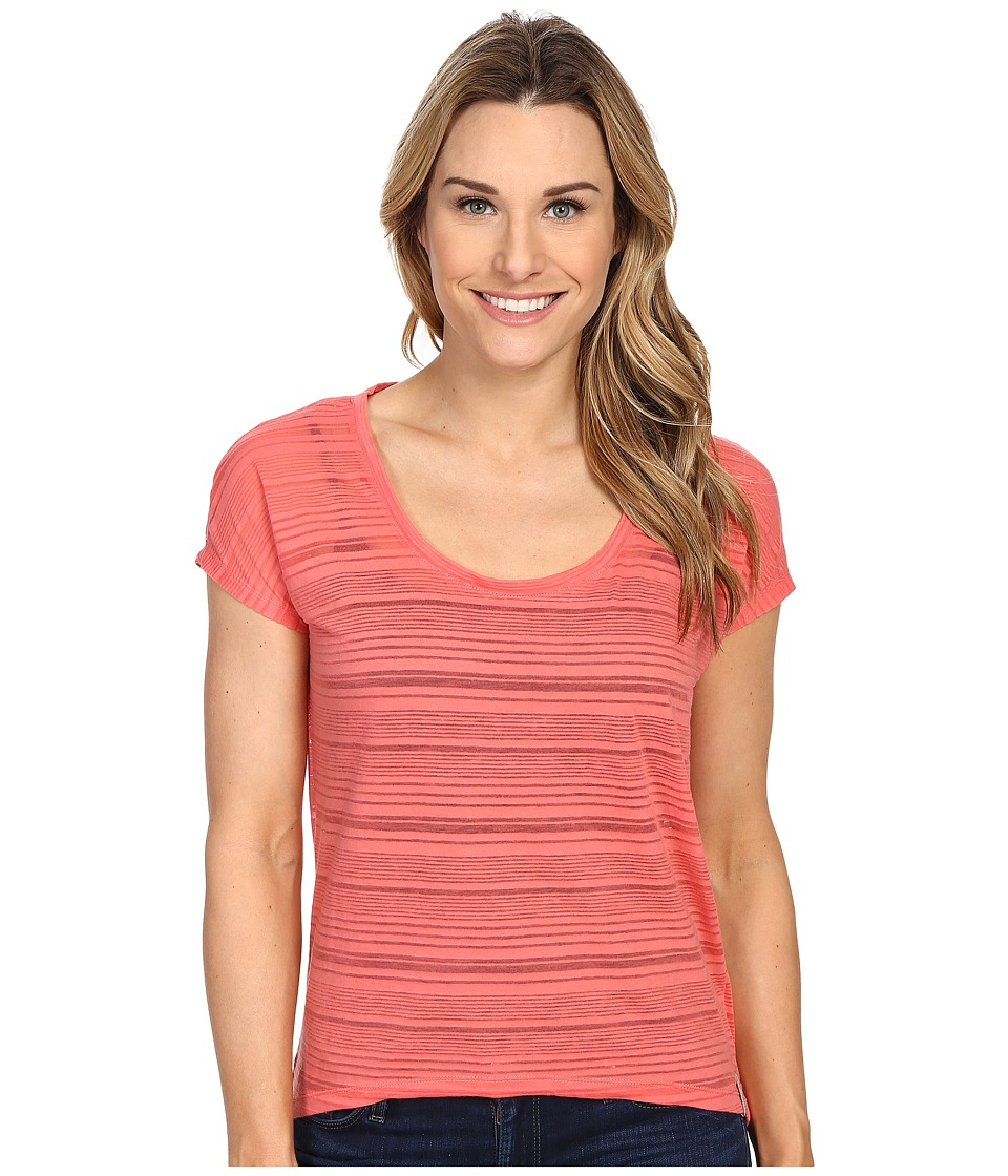 Columbia - Inner Luminosity II Short Sleeve Shirt (Coral Bloom) Women's Short Sleeve Pullover