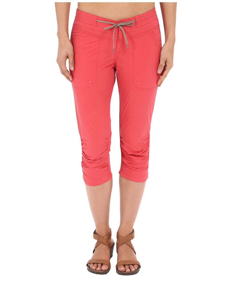 Columbia Down the Pathtm Capri Pants (Sunset Red) Women