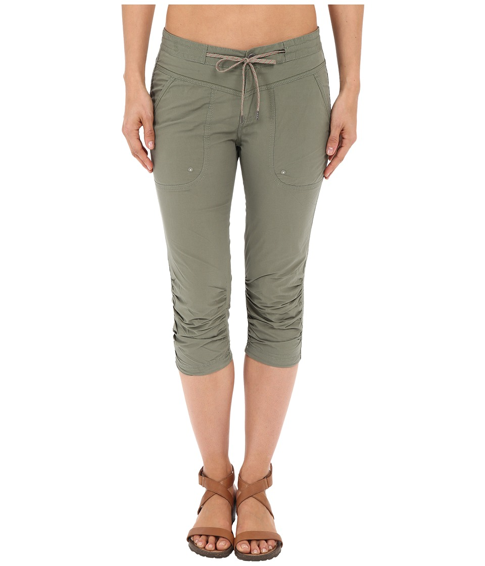 Columbia Down the Pathtm Capri Pants (Cypress) Women