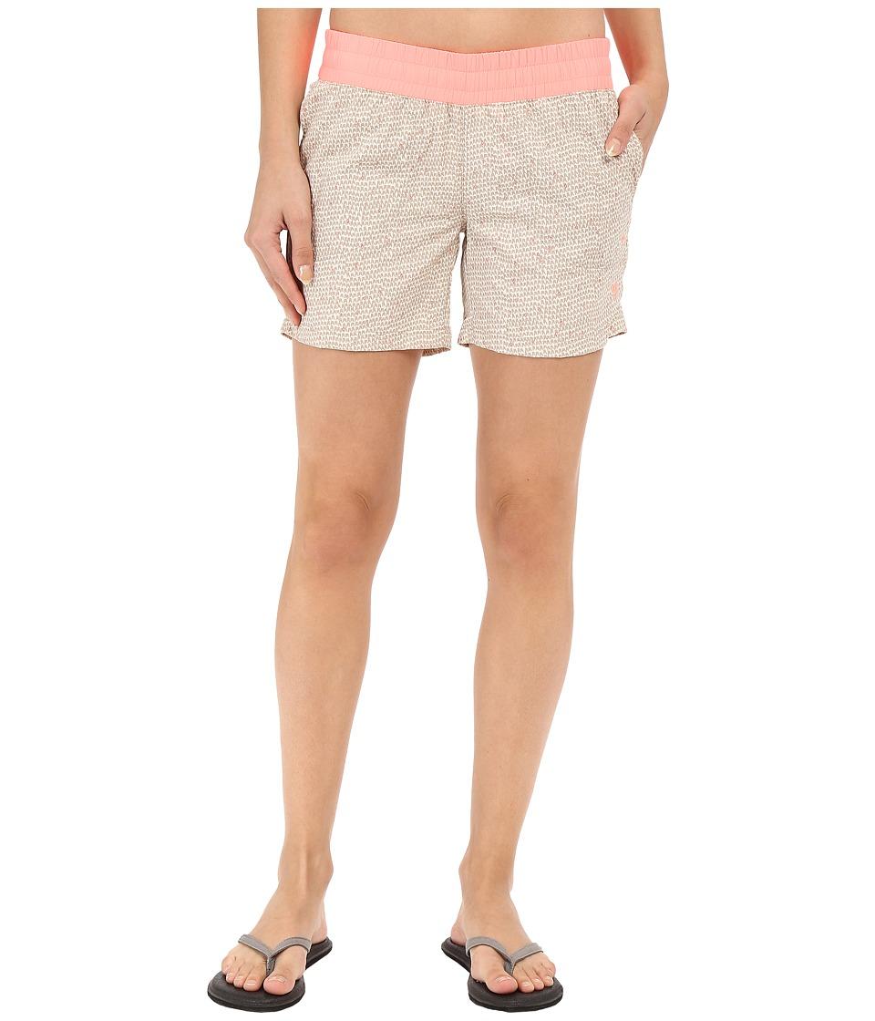 Mountain Hardwear - Class IV Shorts (Khaki) Women's Shorts