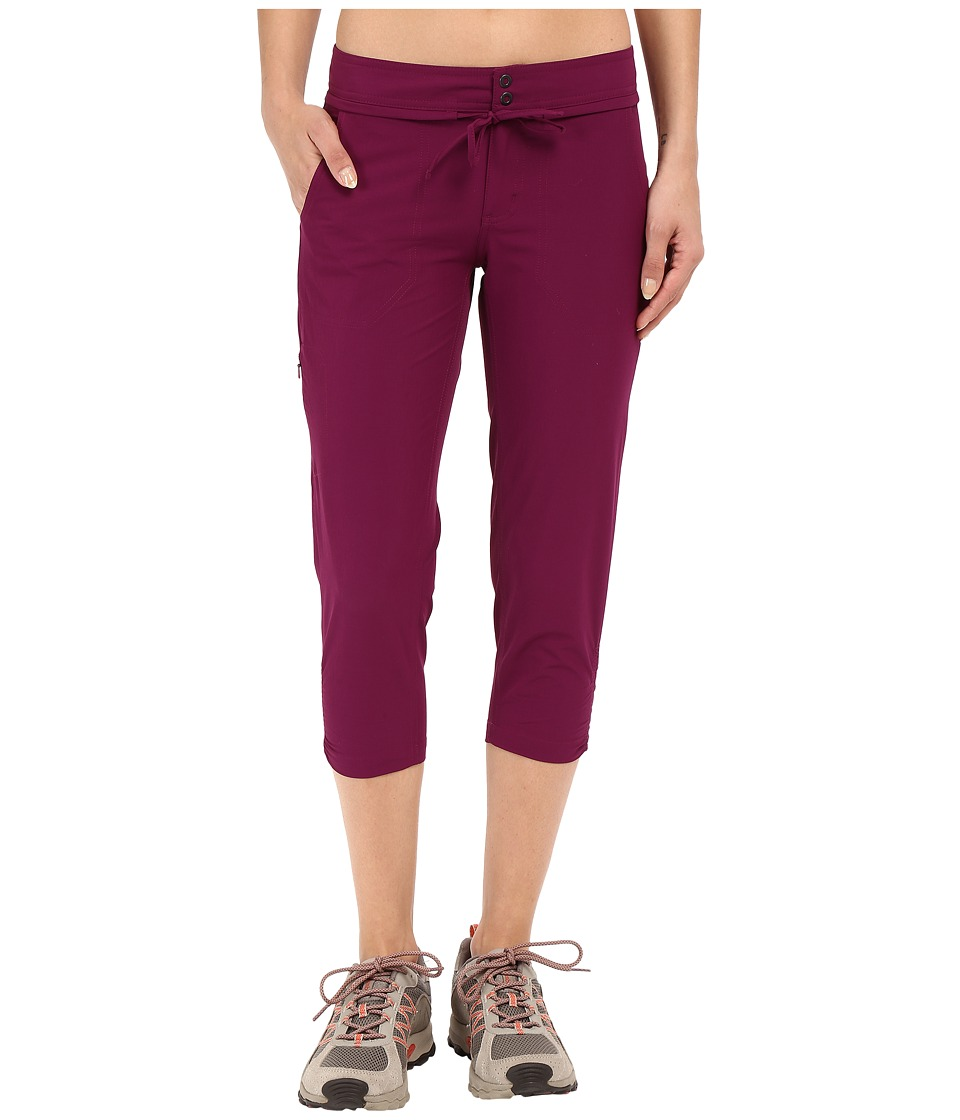 Mountain Hardwear Yumatm Capris (Dark Raspberry) Women
