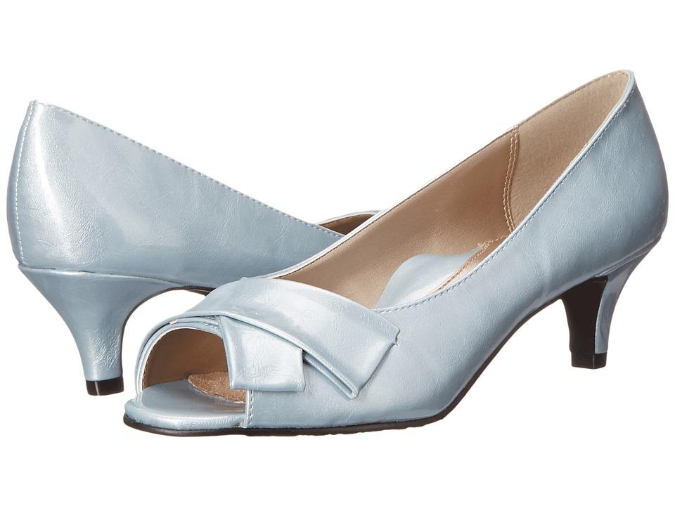 Soft Style Aubrey (Blue Fog Pearlized Patent) Women