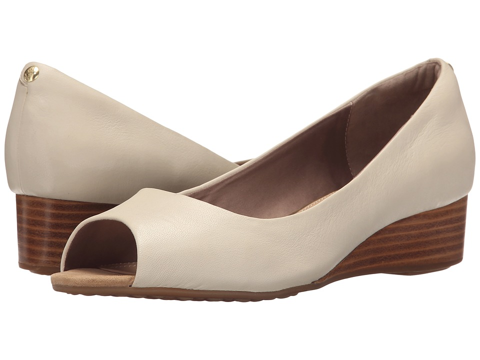 Hush Puppies - Bryce Admire (Off-White Patent Leather) Women's Wedge Shoes
