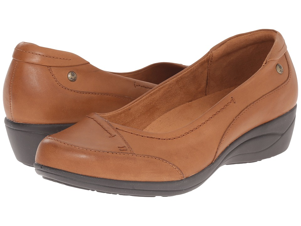 Hush Puppies - Kellin Oleena (Tan Leather) Women's Slip on Shoes