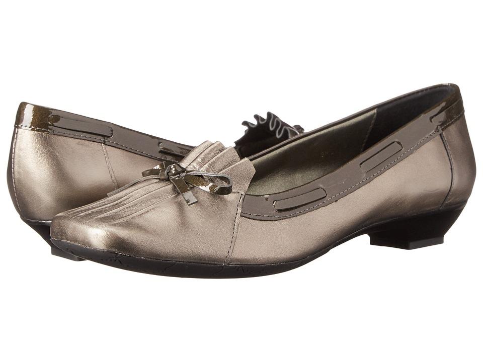Vaneli - Garim (Pewter Pearl/Grey Patent) Women