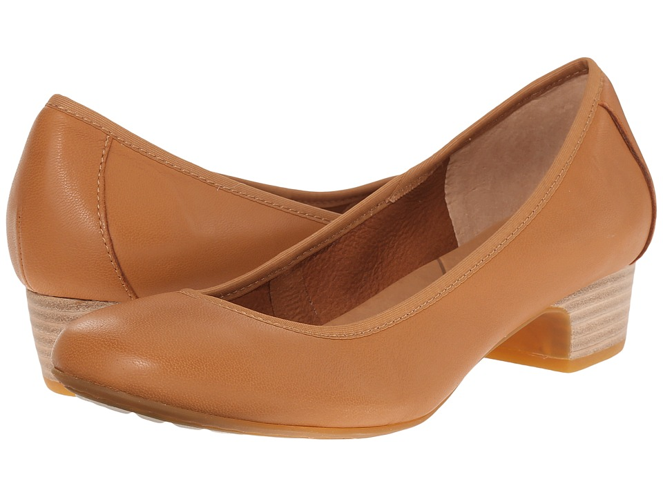 Born - Viviette (Tan Full Grain Leather) Women's 1-2 inch heel Shoes