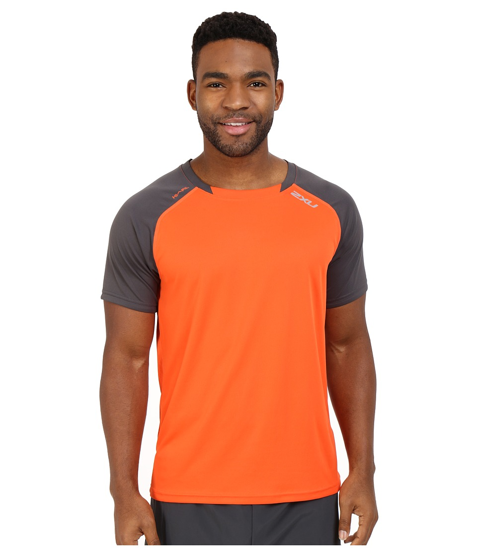 2XU - Tech Vent Two-Tone Short Sleeve Top (Desert Red/Ink) Men's Clothing
