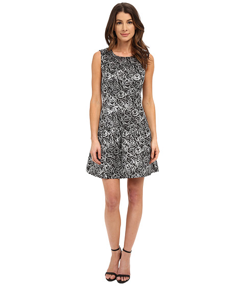 Nine West - Sleeveless Metallic Rose Jacquard Dress with A Dropped Waist (Black/Silver) Women's Dress
