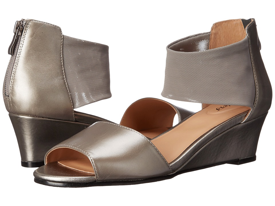 Trotters - Maddy (Pewter Dress Kid Leather/Soft Mesh Stretch) Women