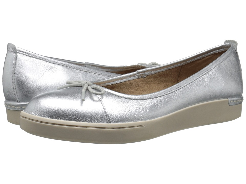 Clarks - Cordella Alto (Silver Leather) Women's Slip on Shoes