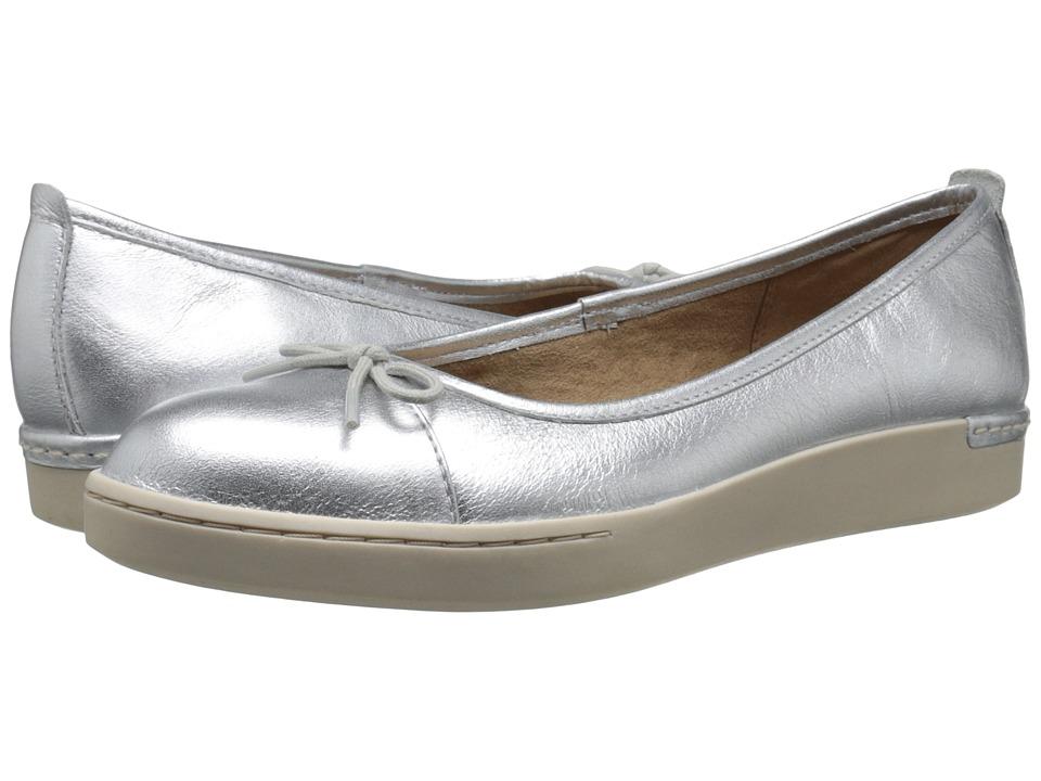 Clarks - Cordella Alto (Silver Leather) Women's Slip on Shoes