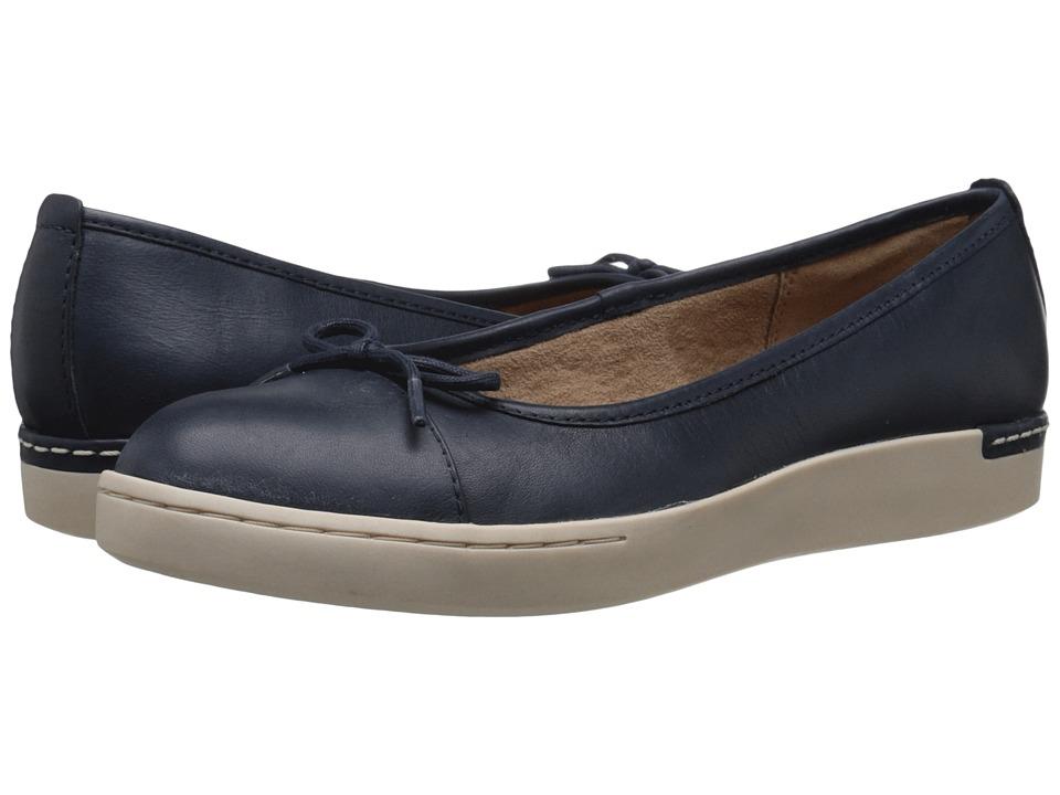 Clarks - Cordella Alto (Navy Leather) Women's Slip on Shoes