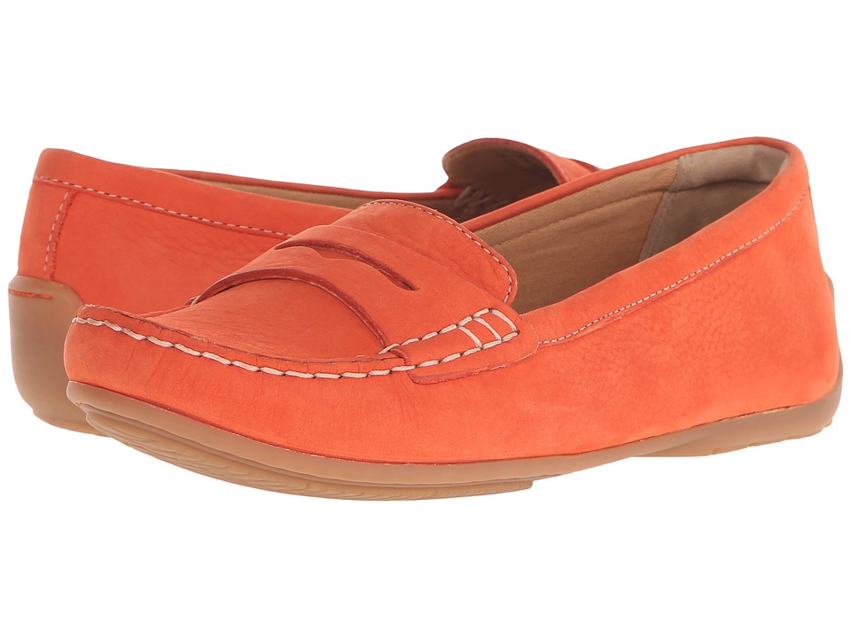 Clarks - Doraville Nest (Grenadine Nubuck) Women's Slip on Shoes