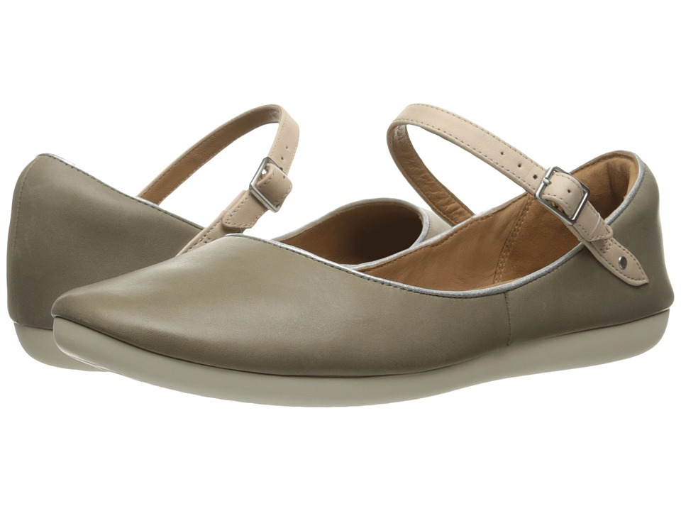 Clarks - Feature Film (Sage Leather) Women's Flat Shoes