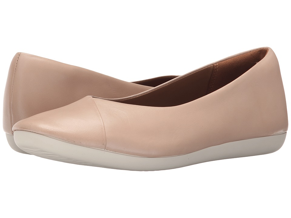 Clarks - Feature Fest (Blush Pink Leather) Women's Flat Shoes