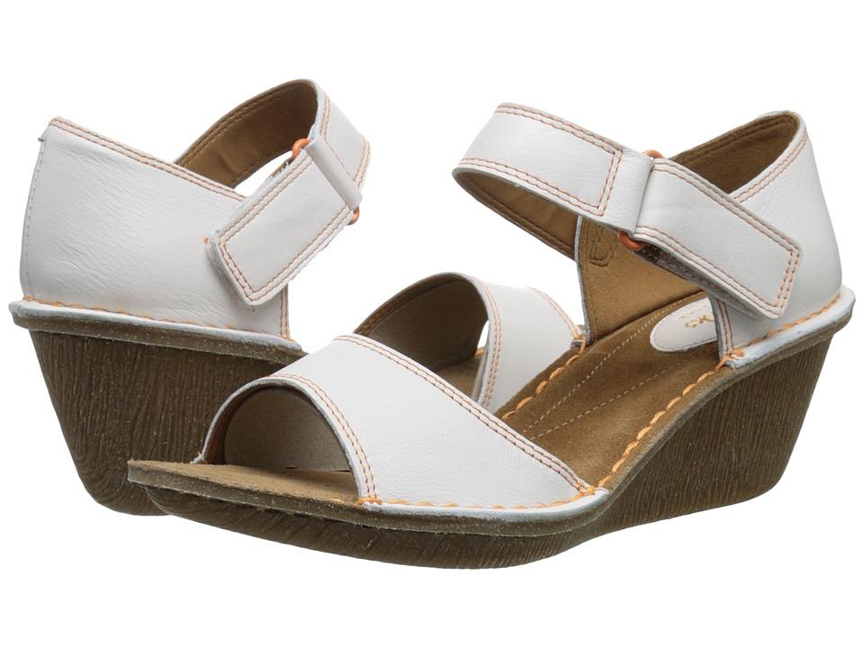 UPC 889303945009 Clarks Orient Sea (White Leather