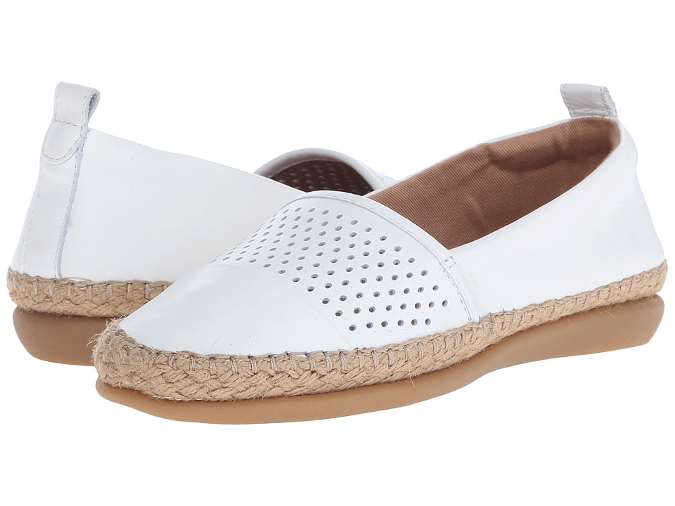 Clarks - Reeney Helen (White Leather) Women's Flat Shoes