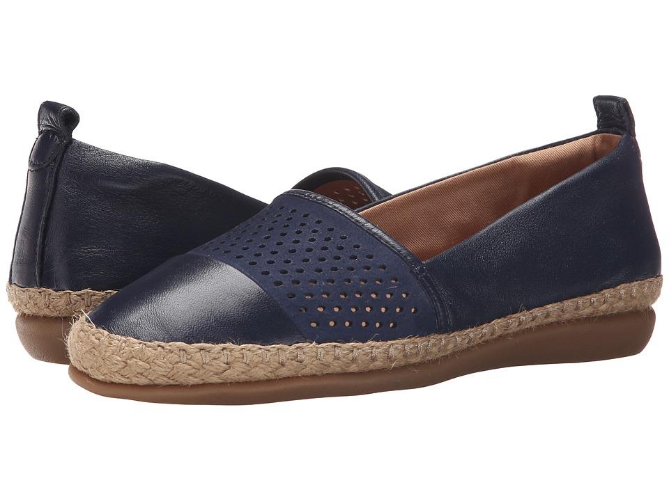 Clarks - Reeney Helen (Navy Leather) Women's Flat Shoes