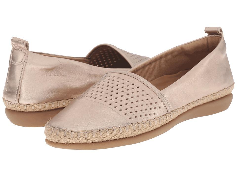 Clarks - Reeney Helen (Gold Leather) Women