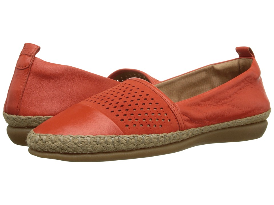 Clarks - Reeney Helen (Grenadine Leather) Women's Flat Shoes