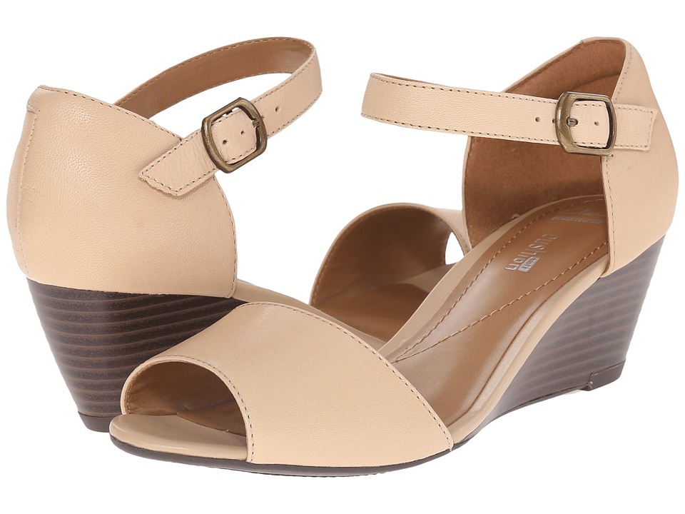 Clarks Brielle Drive (Nude Leather) Women