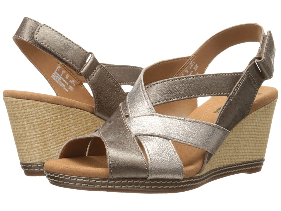 Clarks - Helio Coral (Metallic Leather) Women's Wedge Shoes