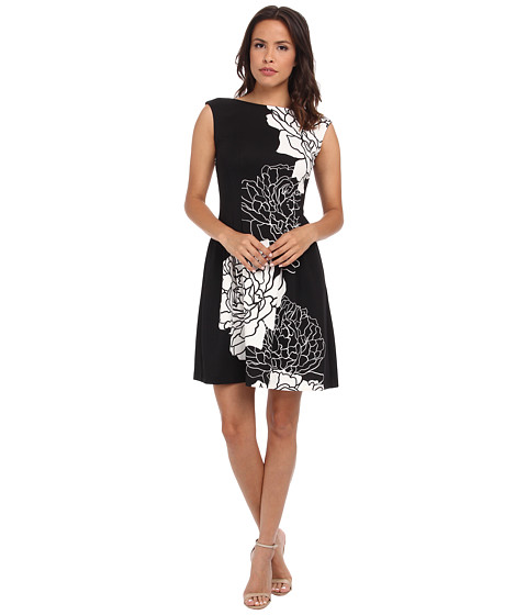 Vince Camuto - Cap Sleeve Fit Flare Dress w/ Release Pleats (Black/Ivory) Women