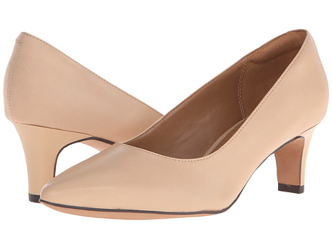 Clarks - Crewso Wick (Nude) Women's Shoes