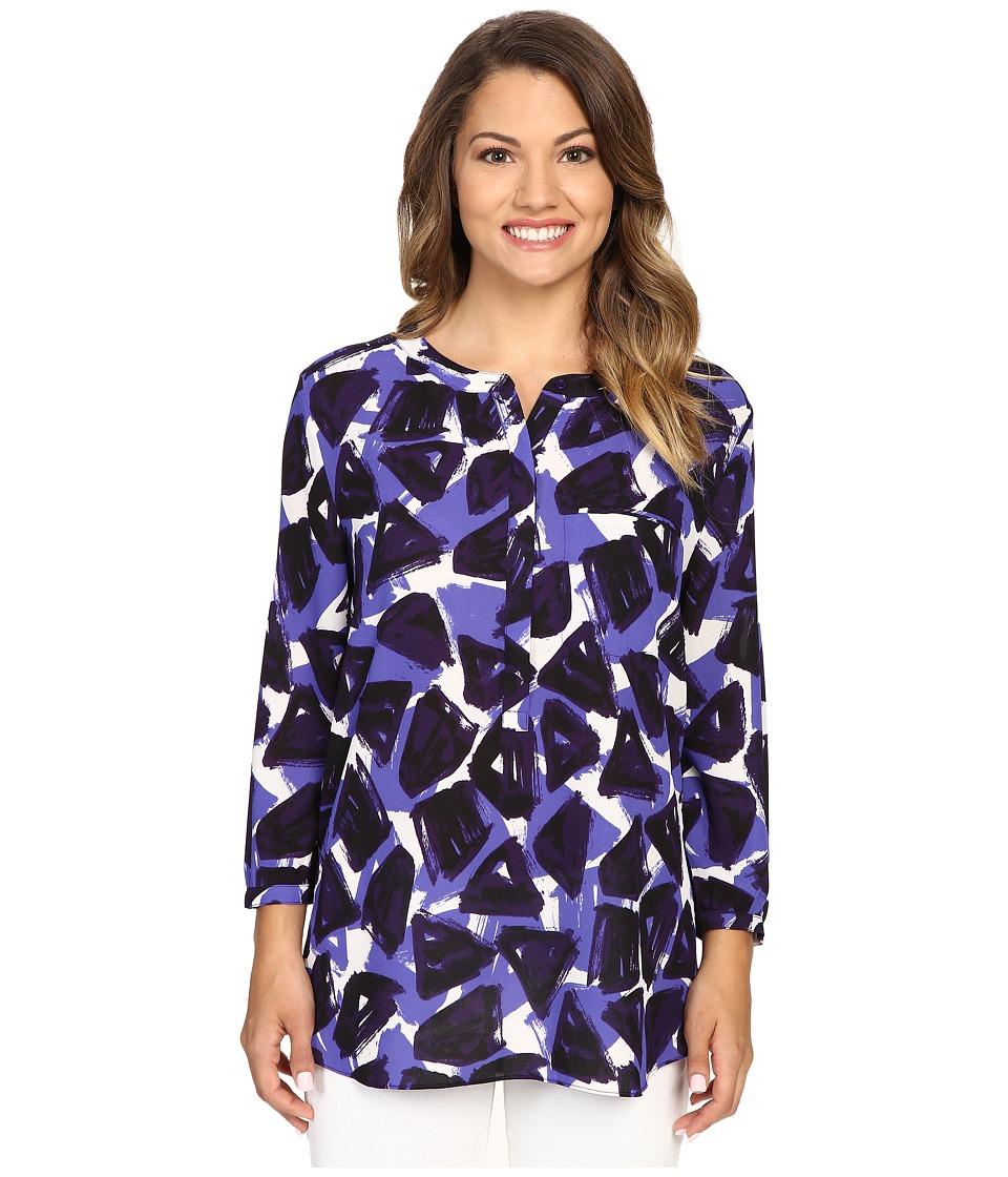 NYDJ Petite - Petite 3/4 Sleeve Pleat Back Solid (Threestone Oxford Blue) Women's Blouse