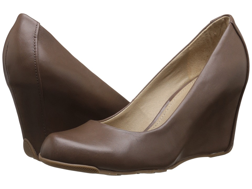 Kenneth Cole Reaction - Did U Tell (Nut) Women's Wedge Shoes