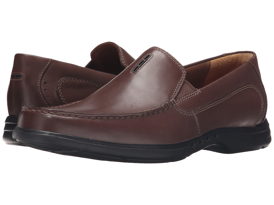 Clarks - Un.Easley Twin (Dark Brown Leather) Men's Slip on Shoes
