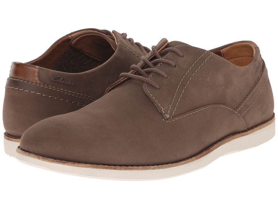 Clarks - Franson Plain (Brown Nubuck) Men's Lace Up Wing Tip Shoes
