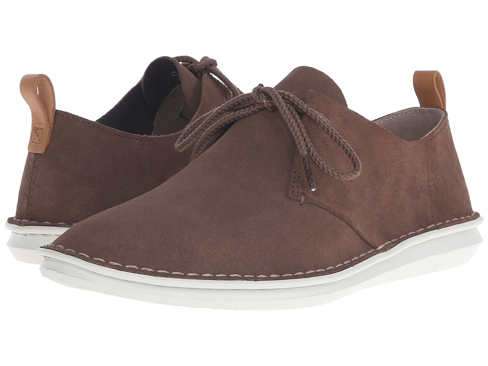 Clarks - Tamho Edge (Mushroom Suede) Men's Shoes