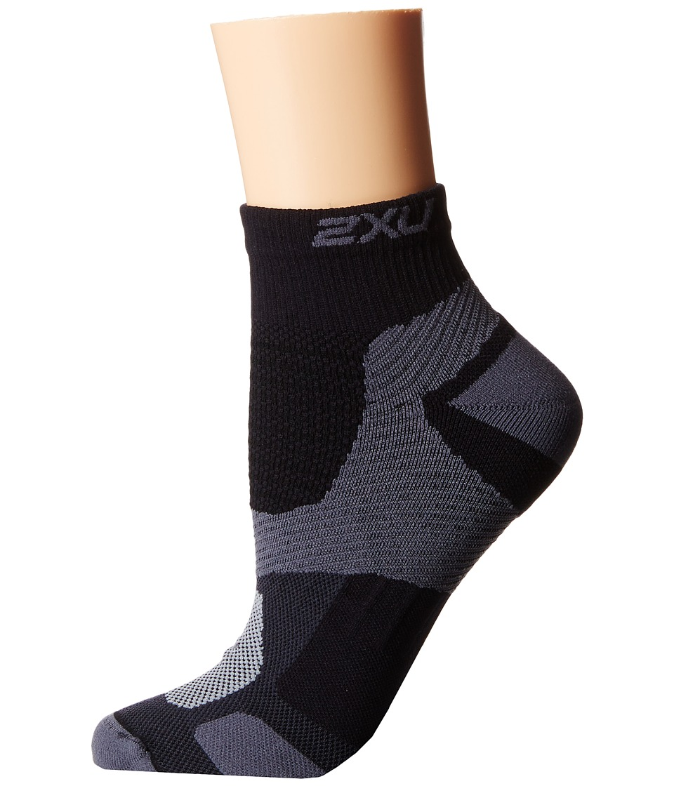 2XU - Long Range VECTR Sock (Black/Black) Women's Crew Cut Socks Shoes
