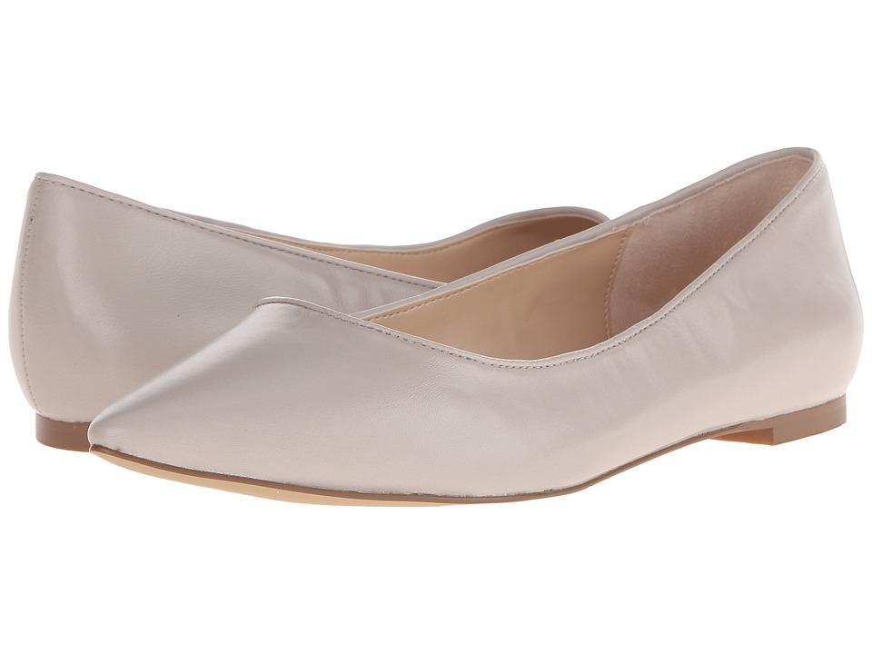 Dr. Scholl's - Tenacious - Original Collection (Bone) Women's Flat Shoes