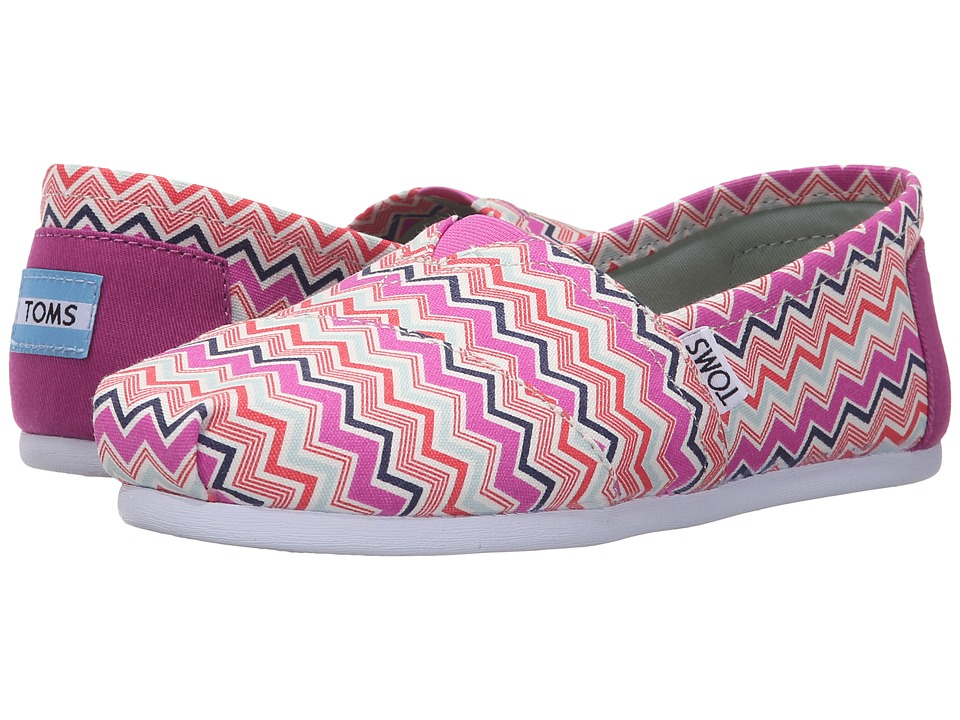 TOMS - Seasonal Classics (Pink Canvas Chevron) Women's Slip on Shoes