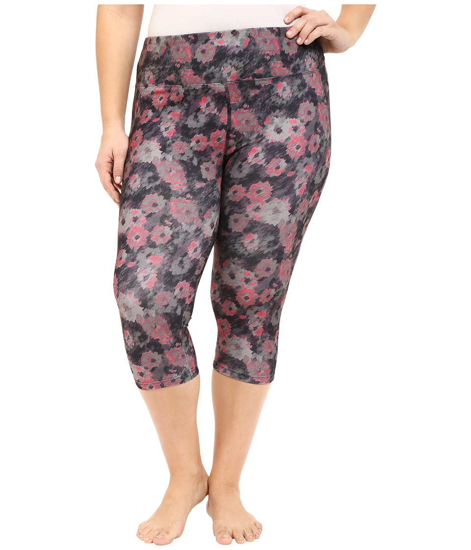 Marika Curves - Plus Size Printed Capri Leggings (Streaking Flower/Sweet Rose) Women's Capri