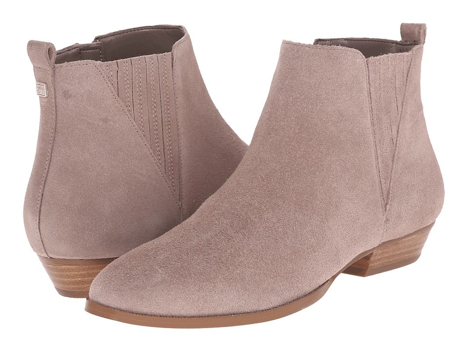 Ivanka Trump Avali (Taupe Suede) Women