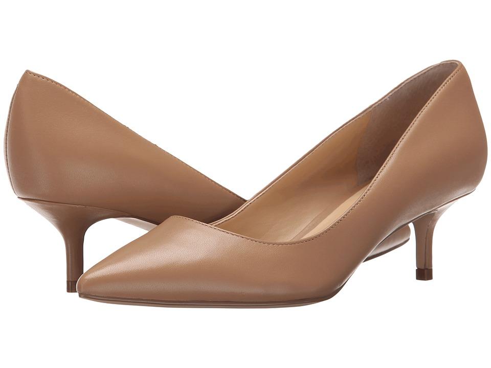 Ivanka Trump Athyna (Medium Natural Leather) Women